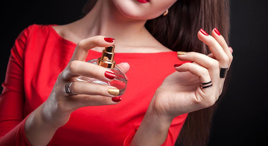 Därför bör du köpa parfym online istället för i butik